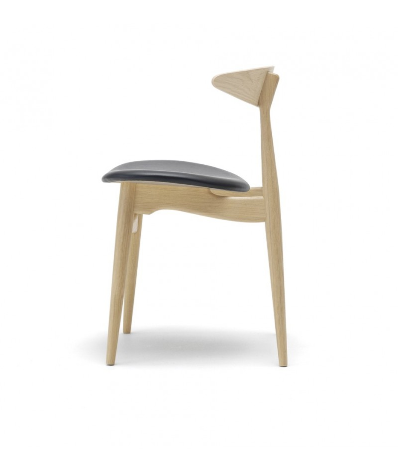 chaise ch33 design hans j wegner par carl hansen la boutique danoise. Black Bedroom Furniture Sets. Home Design Ideas