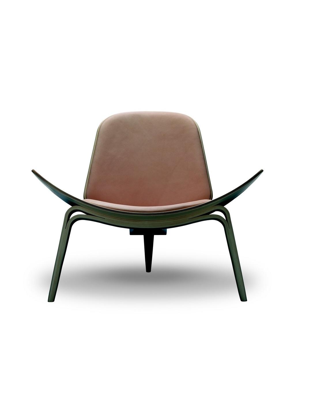 fauteuil ch07 tripede du designer danois hans wegner pour. Black Bedroom Furniture Sets. Home Design Ideas