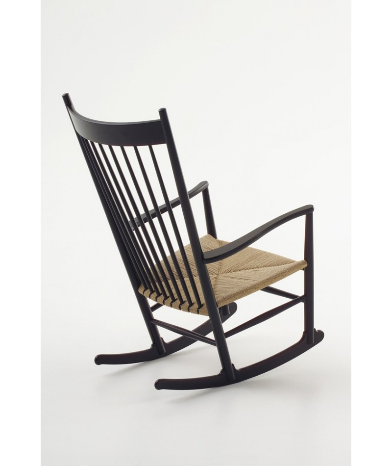 fauteuil bascule rocking chair de hans j wegner pour fredericia. Black Bedroom Furniture Sets. Home Design Ideas