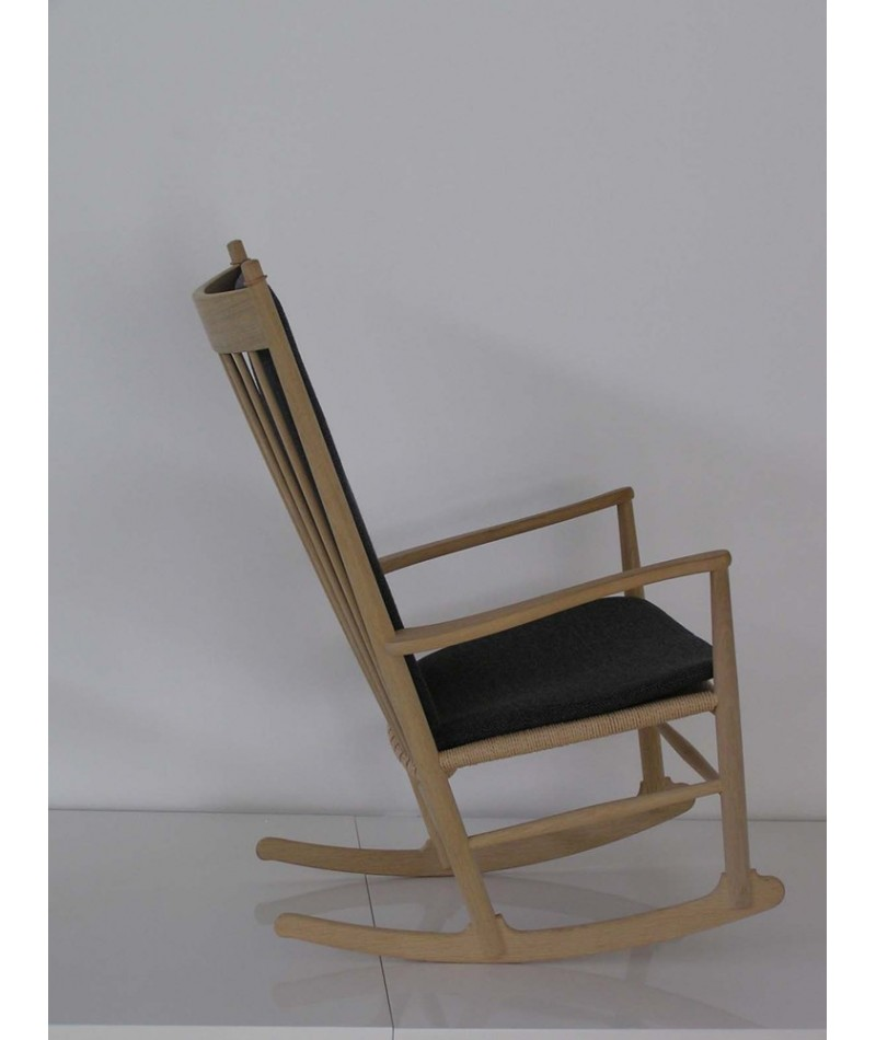 Rocking Chair By Hans J Wegner Fredericia