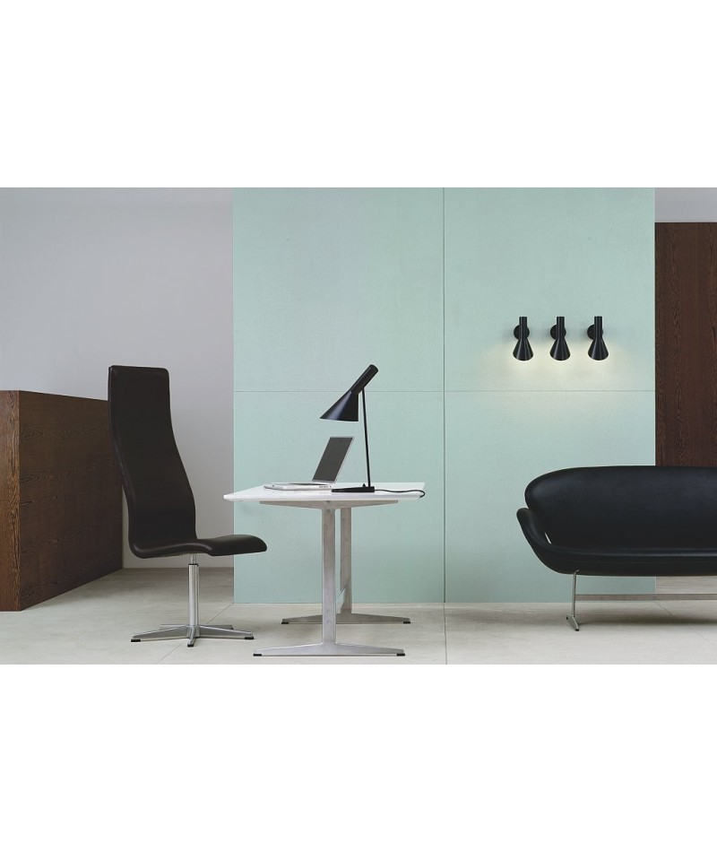Nytt AJ table lamp, Arne Jacobsen design for Louis Poulsen - la KX-65