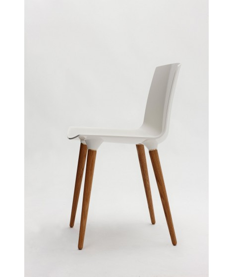 THE ANDERSEN CHAIR