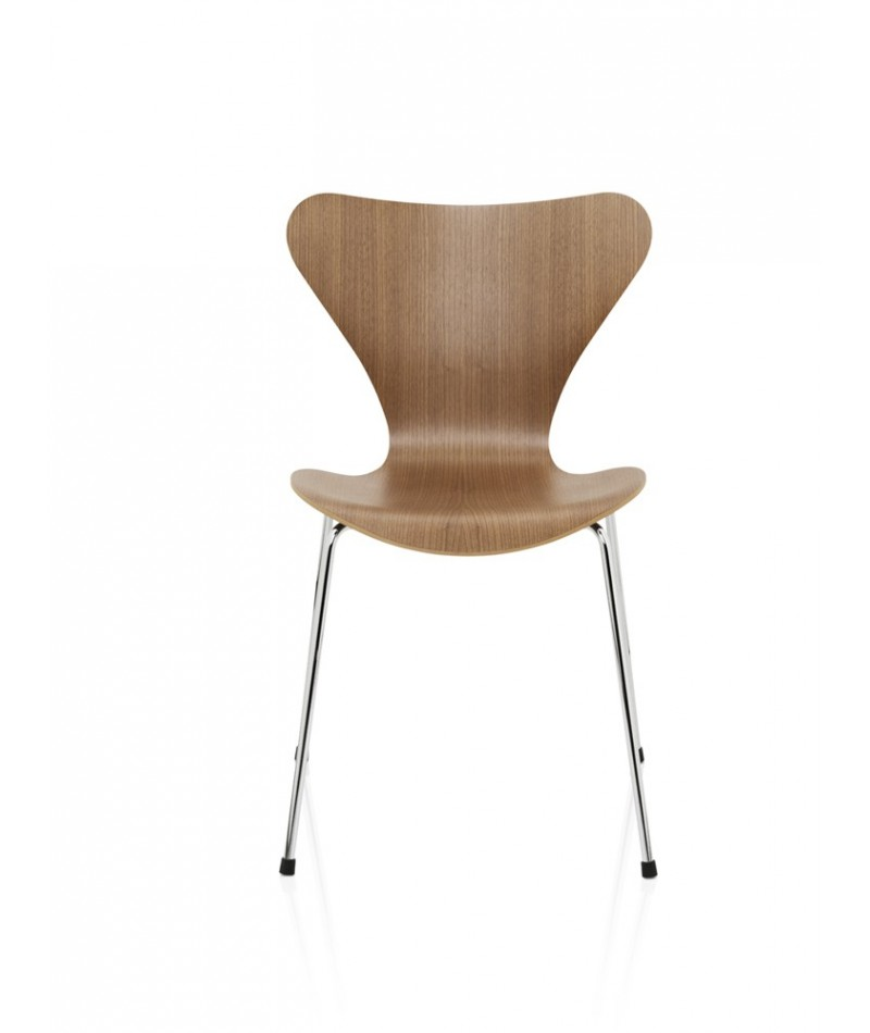 Chaise s rie 7 design arne jacobsen pour fritz hansen for Chair 7 alyeska
