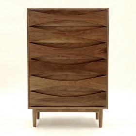VODDER CHEST OF DRAWERS