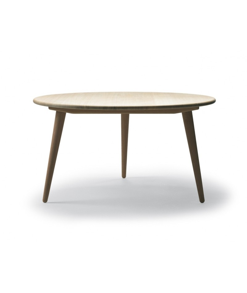 Tripede coffee table hans wegner design for carl hansen for Table basse danoise