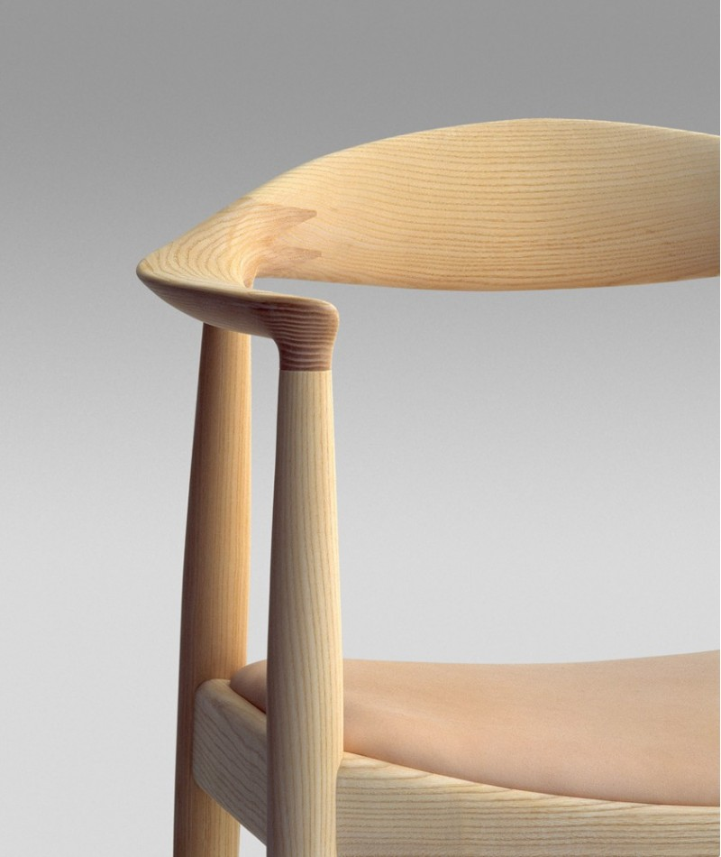 Icon Chair By Hans Wegner